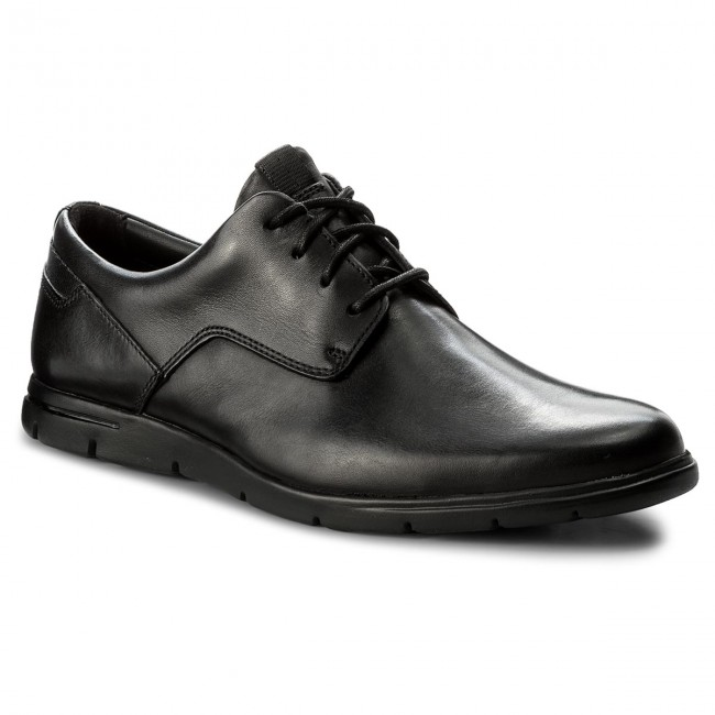 b185589add0 Κλειστά παπούτσια CLARKS - Vennor Walk 261317487 Black Leather ...