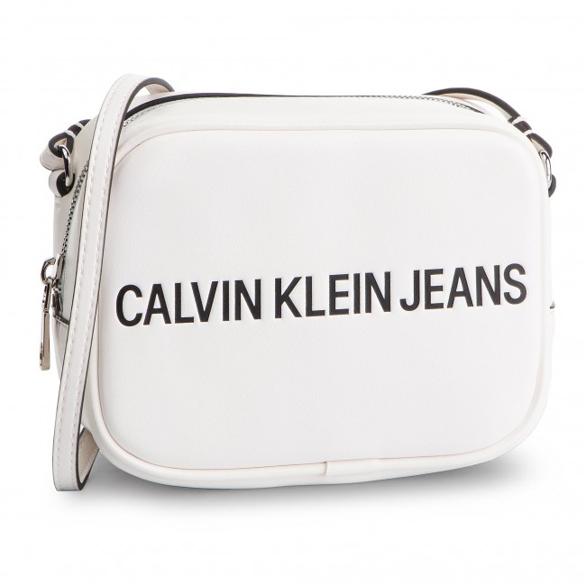 e3d07f64364 Τσάντα CALVIN KLEIN JEANS - Sculpted Logo Camera Bag K60K605247 102 ...
