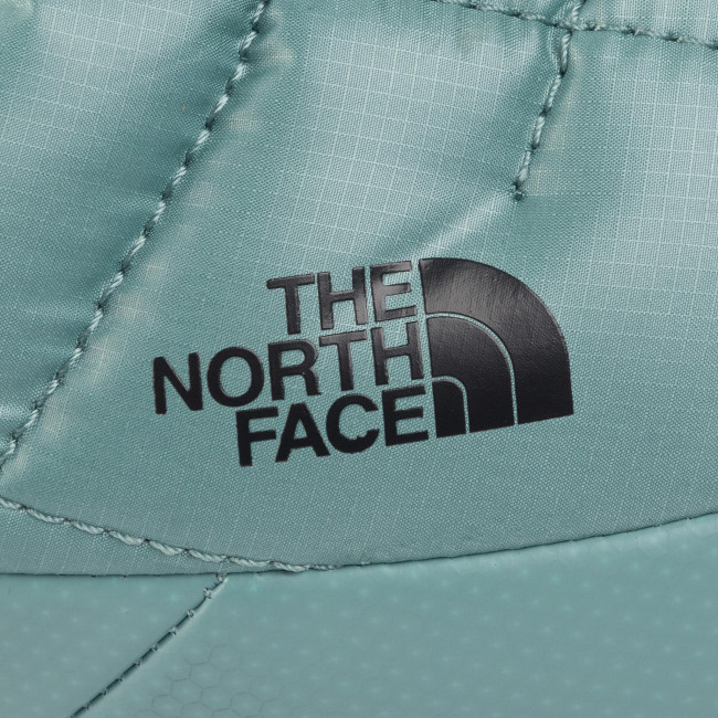 ό The North Face Thermoball Traction Mule V